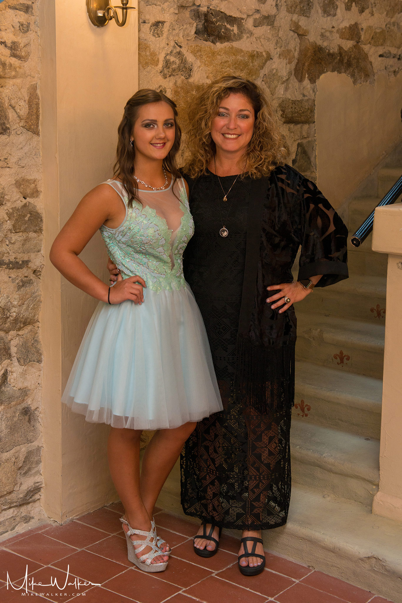 Mom and daughter posing at a sweet 16 in NJ. Photography by Mike Walker.