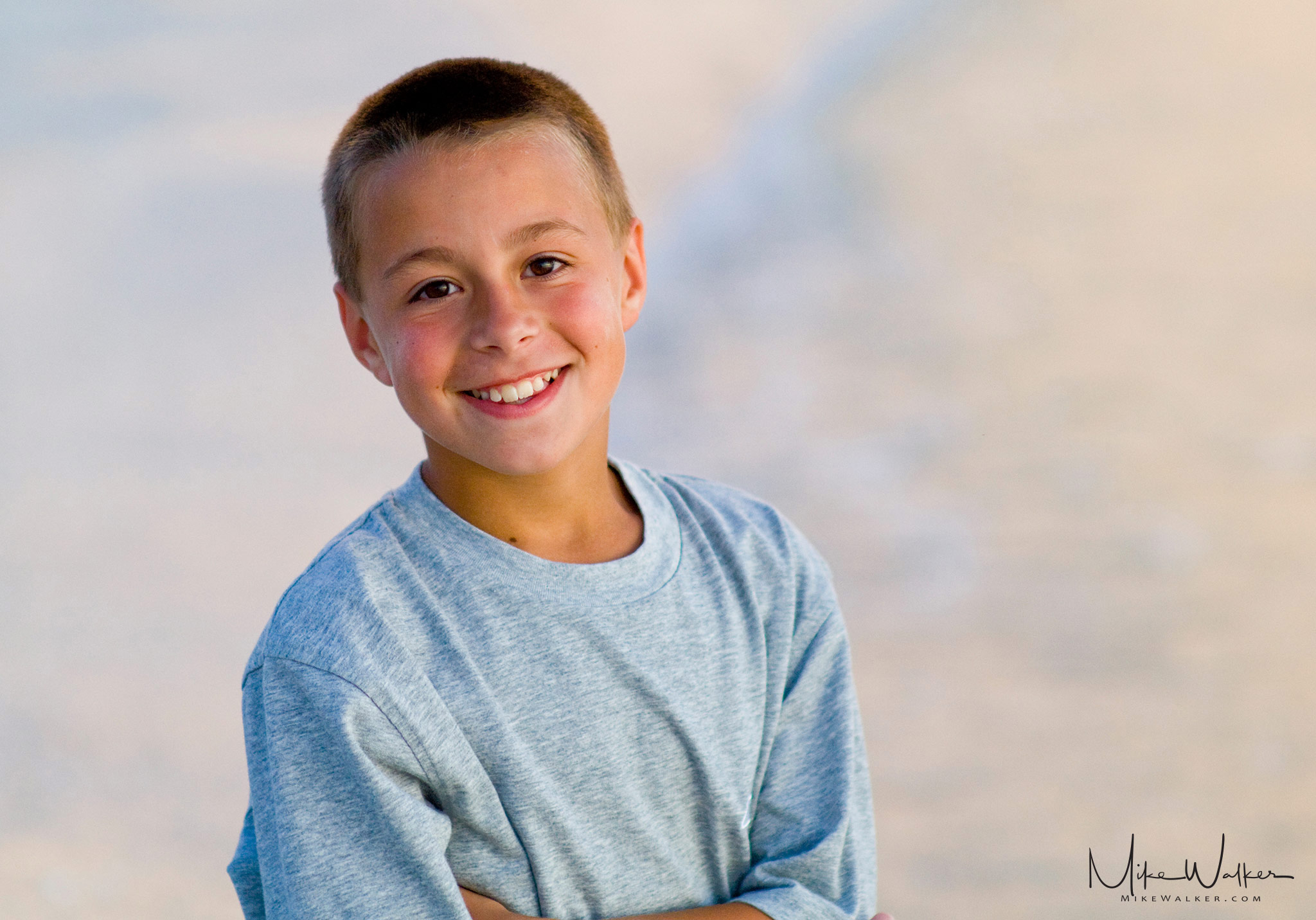 Portrait on the Beach. Family photography © Mike Walker