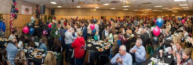 Huge turnout at a local fundraiser. Event photography by Mike Walker.