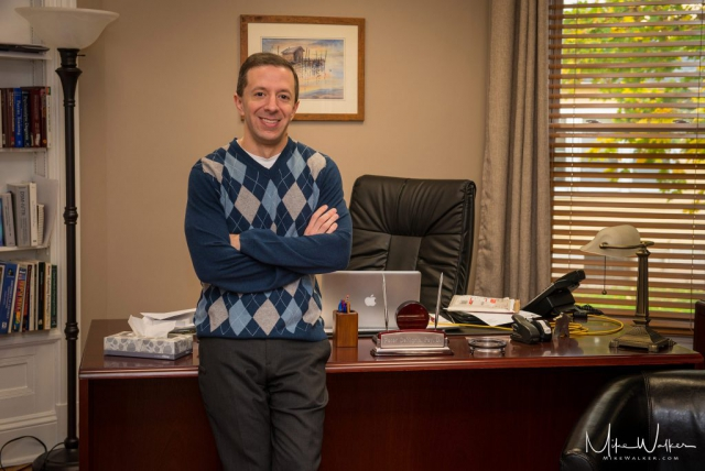 Corporate portrait of a psychologist. Portrait photography by Mike Walker.